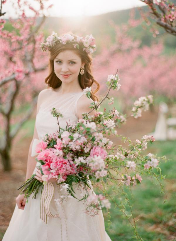 Loose Oversize Bridal Bouquet