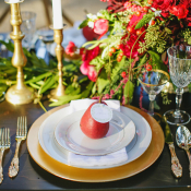 Red Green and Gold Winter Wedding Inspiration