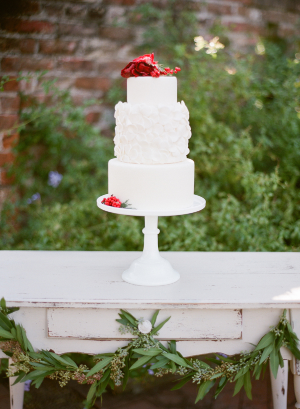 Red and Green Cake Table