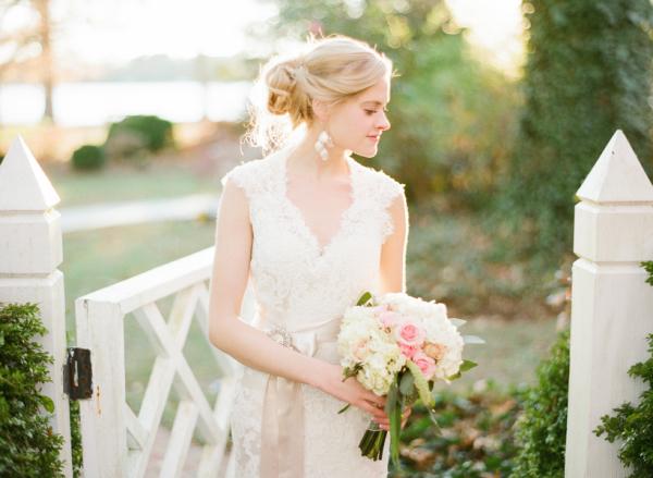 Romantic Lace Bridal Gown1
