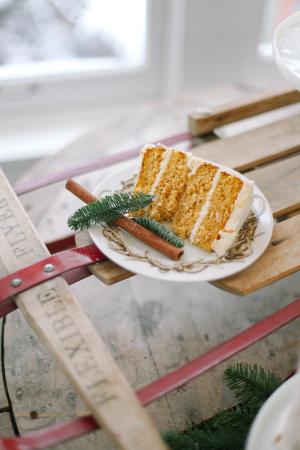 Winter Wedding Cake Slice