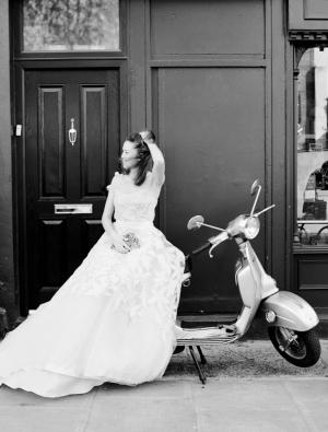 Bride on Vespa1
