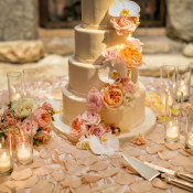 Classic Fondant Cake With Floral Garland