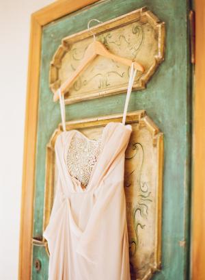 Romantic Vintage Style Wedding Gown