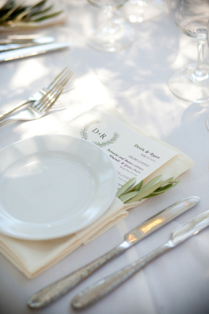Simple Greenery Place Setting Ideas
