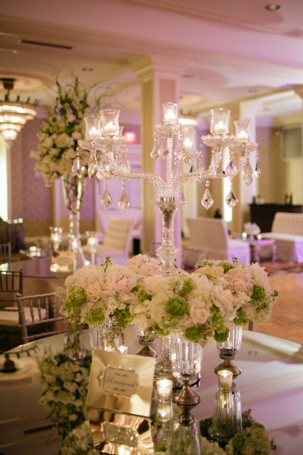 Green and White Flowers Reception Decor