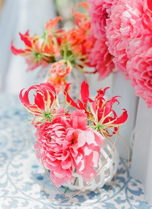 Centerpiece with Coral Flowers