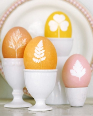DIY Botanical Easter Eggs | Martha Stewart