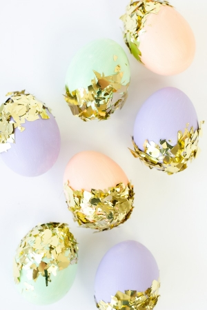 DIY Confetti Dipped Easter Eggs | Studio DIY