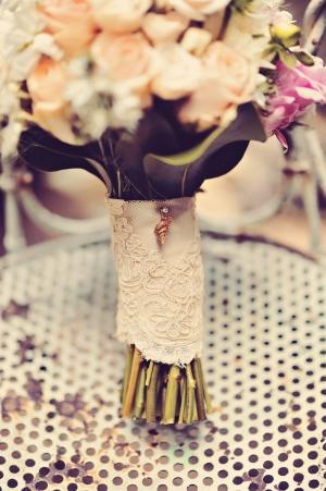 Vintage Lace Bouquet Wrap