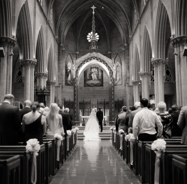Catholic Wedding Vows: Classic Country Club Wedding From Jen & Jonah