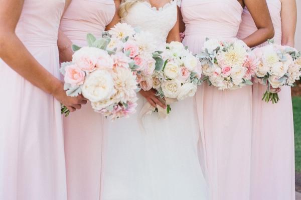 Fluffy Ivorya nd Pink Bouquets
