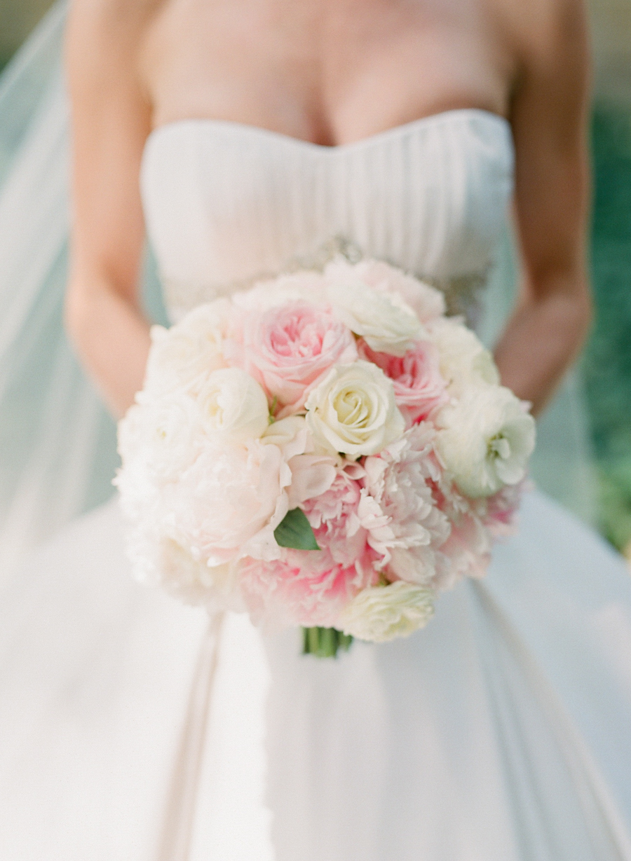 Pink And White Bedroom: Pale Pink And White Bridal Bouquet