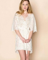 Elizabeth lace robe Girlwithaseriousdream 1