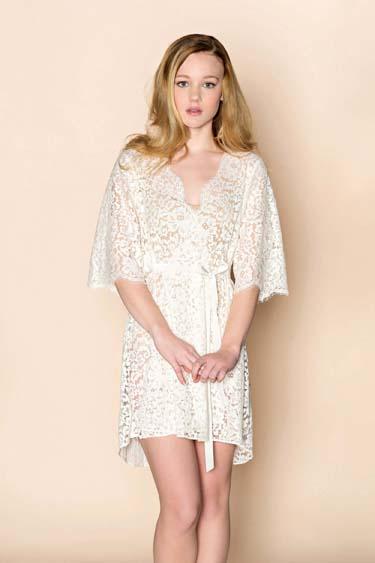 Elizabeth lace robe Girlwithaseriousdream 1