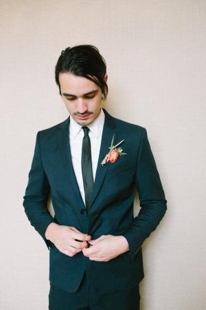 Skinny Tie Modern Grooms Suit