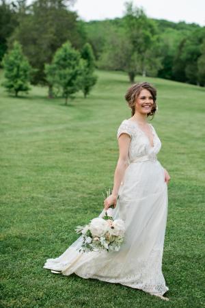 Bride in Claire Pettibone1