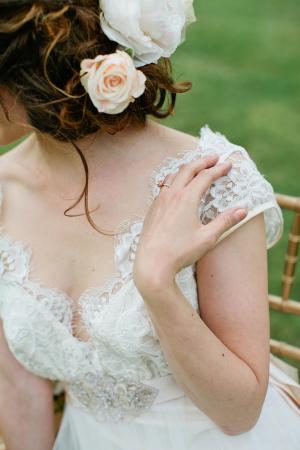 Bride in Lace Claire Pettibone