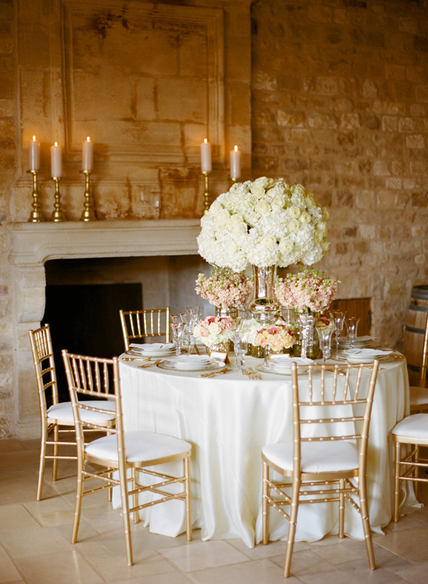 Elegant Rose and Gold Table