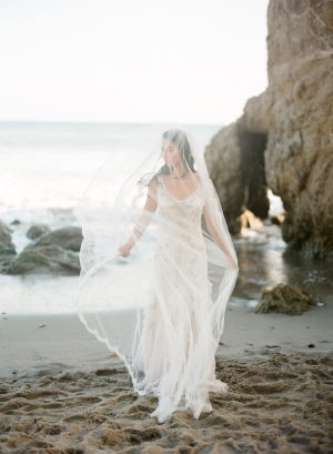 Ethereal Bridal Looks on the Beach