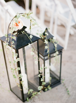 Lanterns With Ivy and Candles Aisle Decor