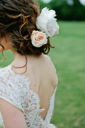 Rose in Bride Hair