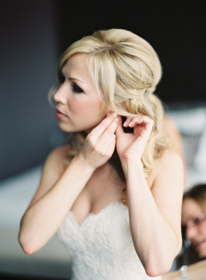 Bride in Alvina Valenta