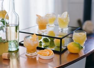 Citrus Party Cocktail Bar