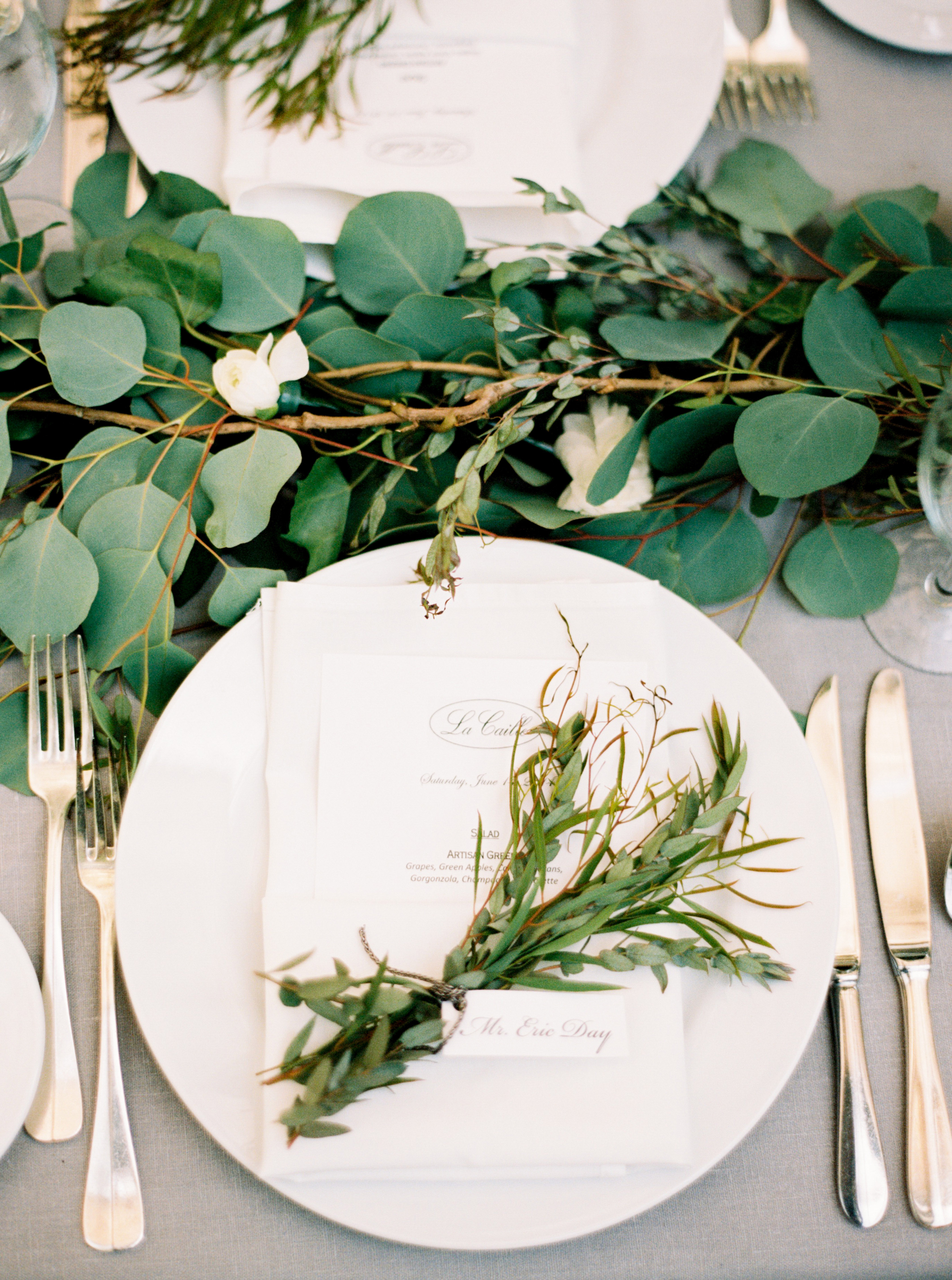 Herb and greenery wedding place setting elizabeth anne for Wedding greenery ideas