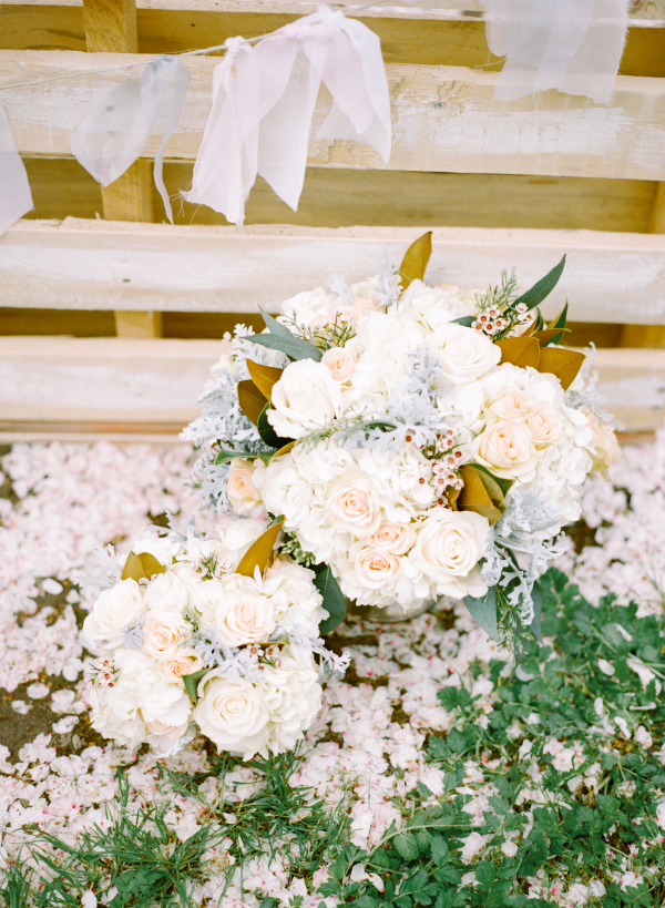 Ivory Garden Wedding Flowers