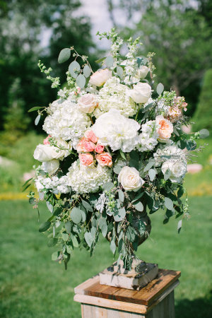 Large Ivory and Peach Arrangement