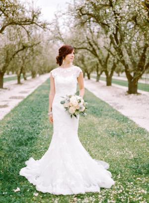 Romantic Feminine Garden Wedding Ideas 11