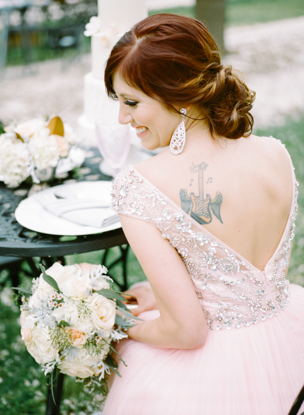 Romantic Feminine Garden Wedding Ideas 12