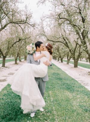 Romantic Feminine Garden Wedding Ideas 5