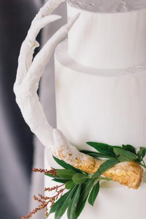 Earthy Elegant Wedding Cake