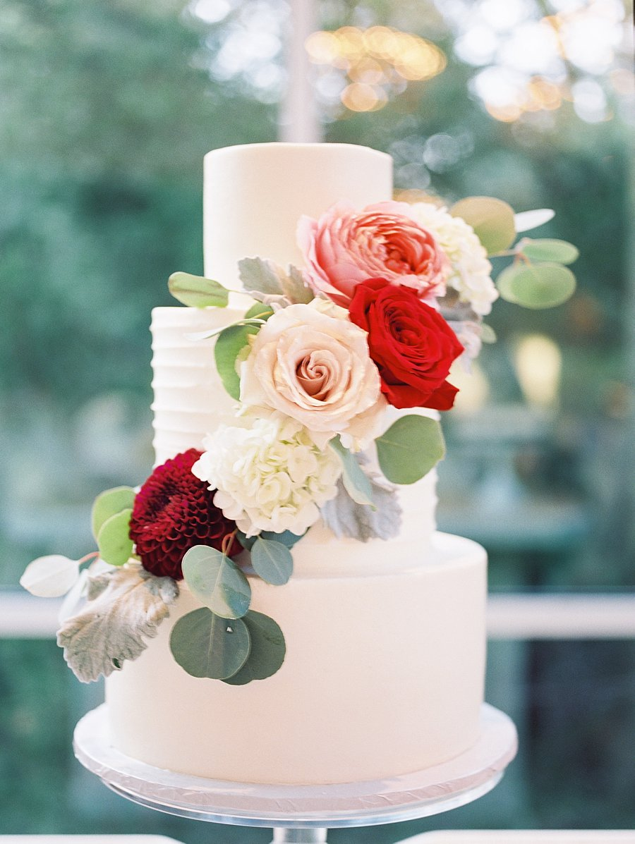 burgundy wedding cake flowers wedding cake with fall flowers elizabeth designs 12243