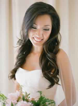 Bride with Loose Waves1
