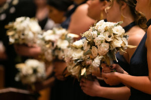 Bridesmaids with Cream Bouquets