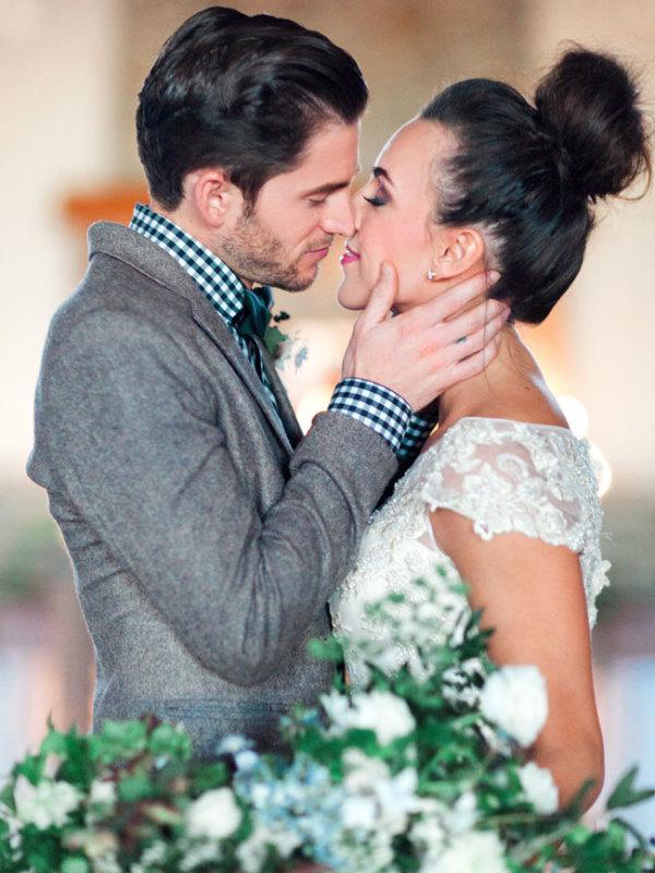 Cozy Holiday Wedding Inspiration 8