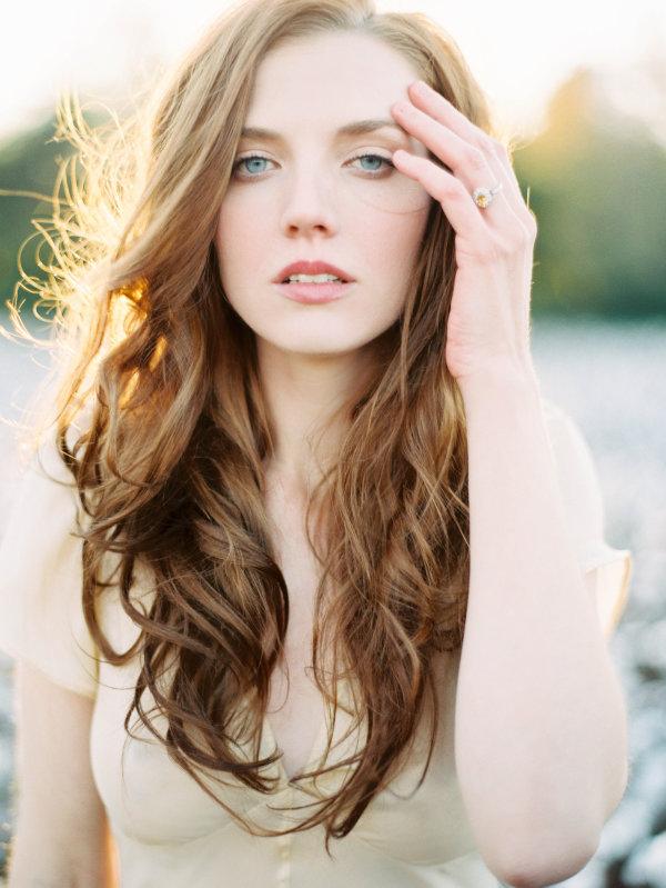 Resultado de imagem para bride naturally loose hair