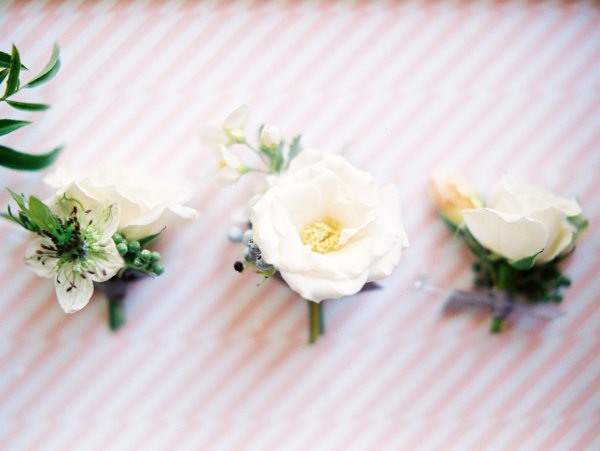 Boutonnieres in Ivory