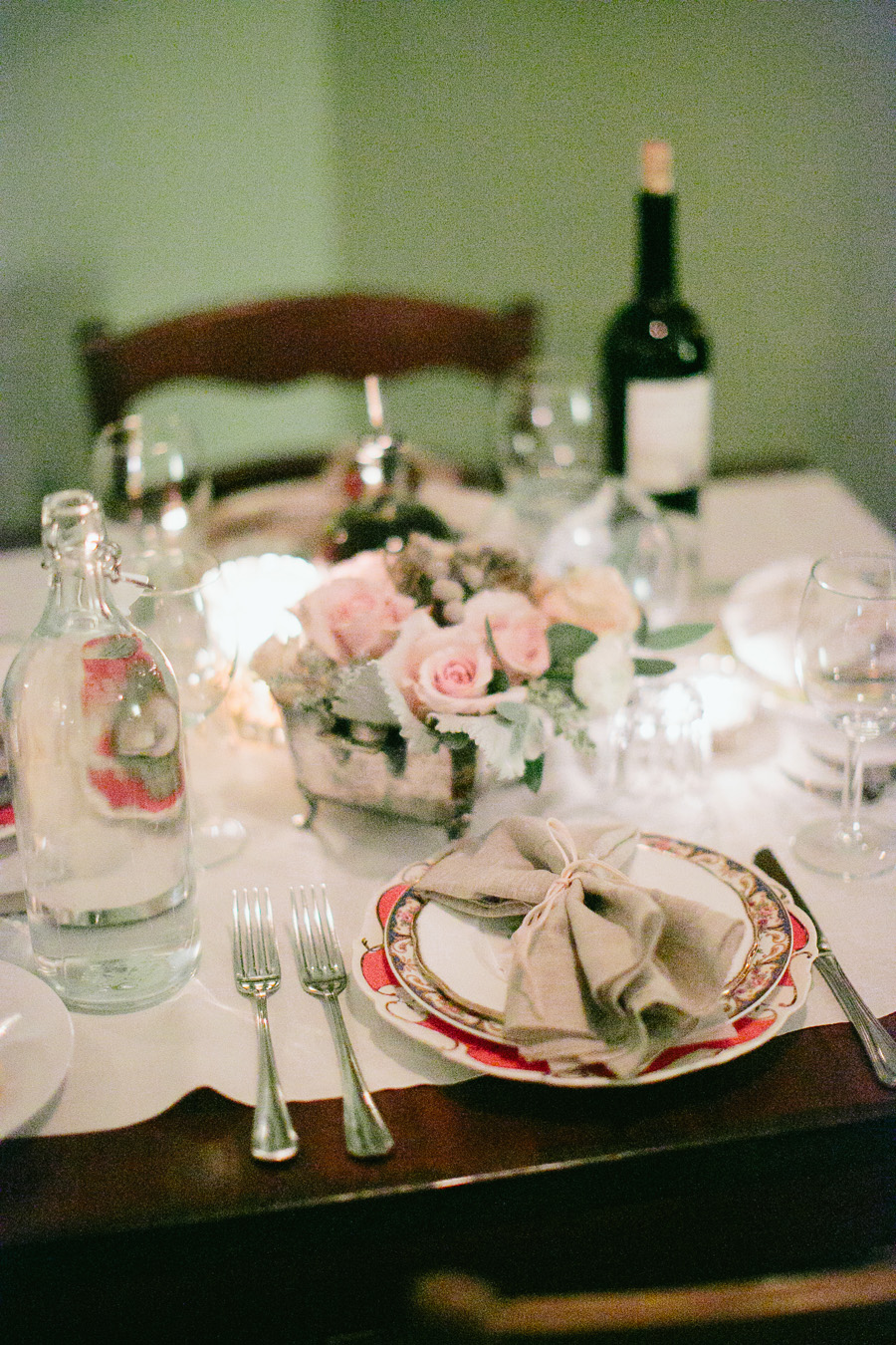 Shabby Chic Wedding Decor 44 Fancy White Tulips at Wedding