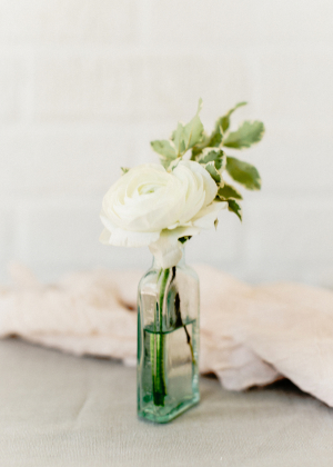 Simple White Wedding Flowers