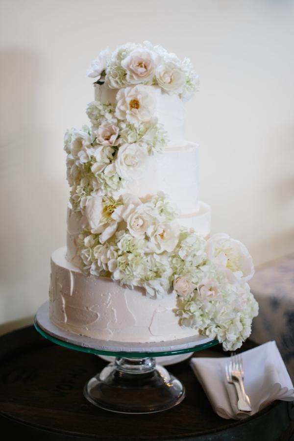 Wedding cake with cascading flowers elizabeth anne designs the wedding cake with cascading flowers mightylinksfo