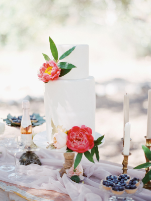 Cake with Coral Peonies