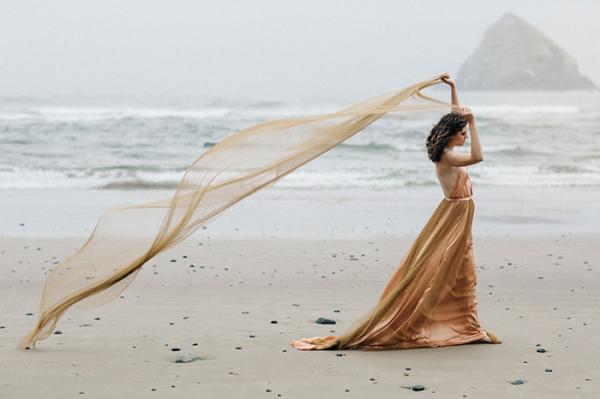 1 unique wedding gown ideas