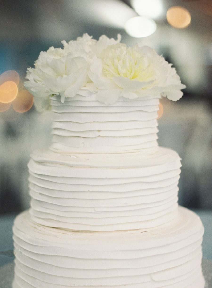 Cake with White Flowers on Top - Elizabeth Anne Designs: The Wedding ...