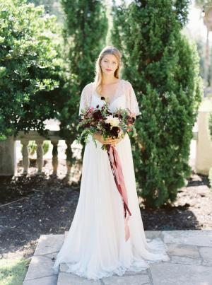 Elegant Early Autumn Bride