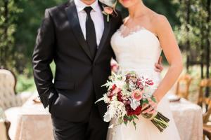 Elegant Garnet and Champagne Wedding Ideas 1