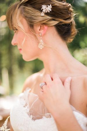 Elegant Garnet and Champagne Wedding Ideas 9